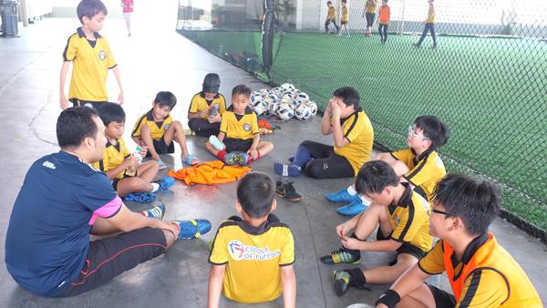 kelab bola kanak kanak