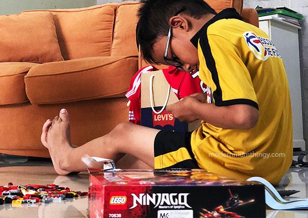 Lego NINJAGO dan Lego VR Coaster