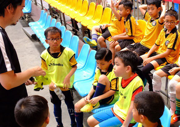 melatih anak sifat kepimpinan